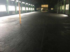工場床の補修塗装施工前