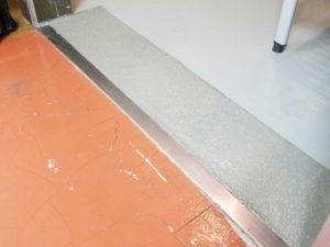 食品工場冷凍庫コンクリート床の破損補修後