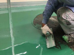 工場床の平滑厚膜塗装