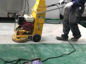 FRP床塗装のコンクリート下地処理