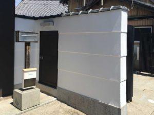 お寺の門塀・漆喰塗装後